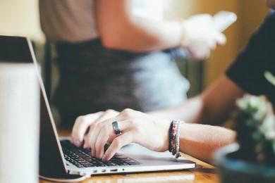WEBクリエイターで起業する手順を公開!独立に失敗する人の特徴も解説!