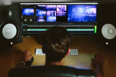 未経験から動画編集を仕事にするためには