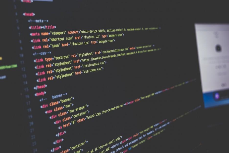 未経験でも可能?女性プログラマーとして未経験からチャレンジする方法を考えてみた!